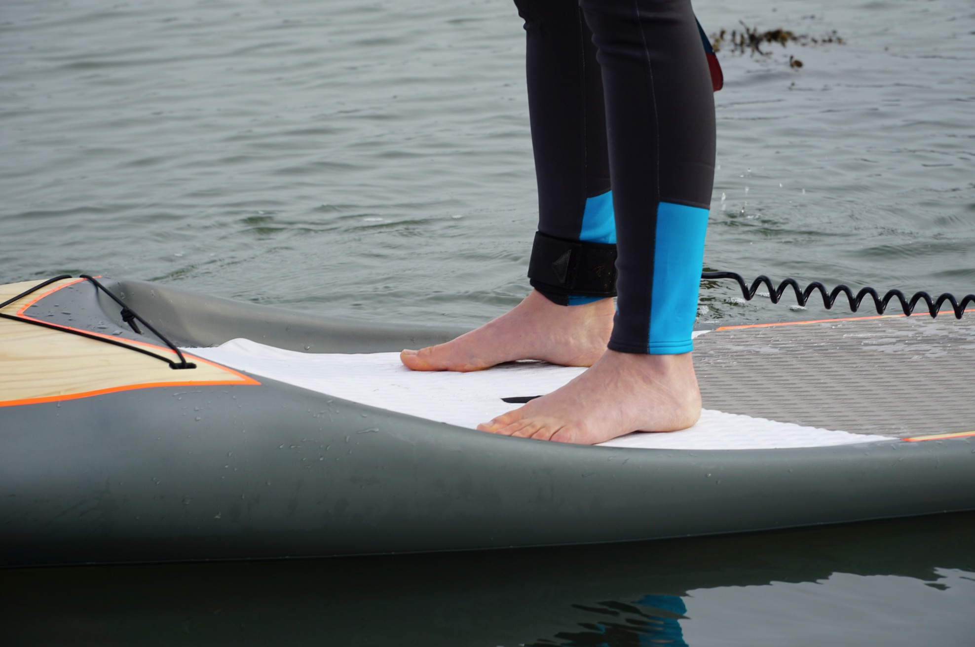 What to wear on your feet paddleboarding? - bare feet